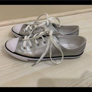 Silver dainty Converse 38